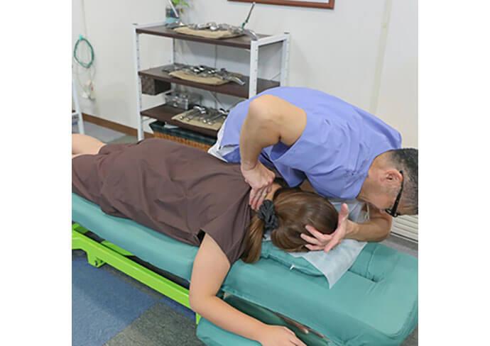 いな中央接骨院の首・肩へのアプローチ